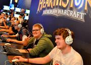 gamescom-2013-gamers-hearthstone-2