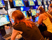 Gamers Get Their Hands on Hearthstone