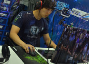 gamescom-2013-sc2-players-blizzard-booth-5.jpg