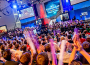 gamescom-2013-sc2-players-blizzard-booth-6.jpg